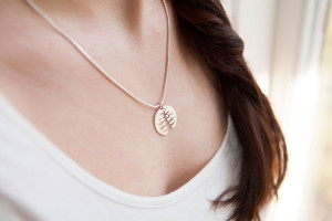 Moesmycken.se - Handgjorda ringar, halsband och örhängen - Halsbandet Ek