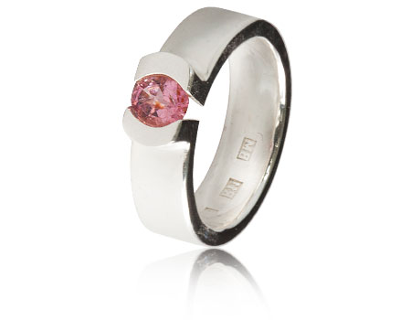 Moesmycken.se - Handgjorda ringar, halsband och örhängen - Ring Omfamning