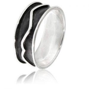 Moesmycken.se - Handgjorda ringar, halsband och örhängen - Ring Mörk storm